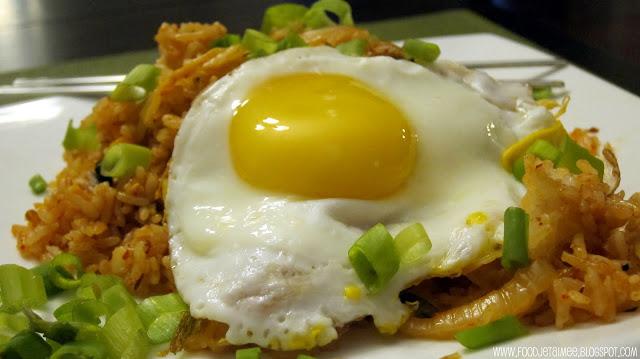 김치 볶음밥 (Kimchi Fried Rice)