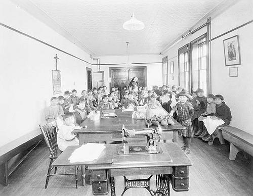 Class of Mi'kmaq (Micmac) girls taken in the Shubenacadie Residential School, Shubenacadie, Nova Scotia, 1929 / Une classe de fillettes of Mi'kmaq (Micmaques) photographiées au pensionnat de Shubenacadie, Shubenacadie (Nouvelle-Écosse), 1929