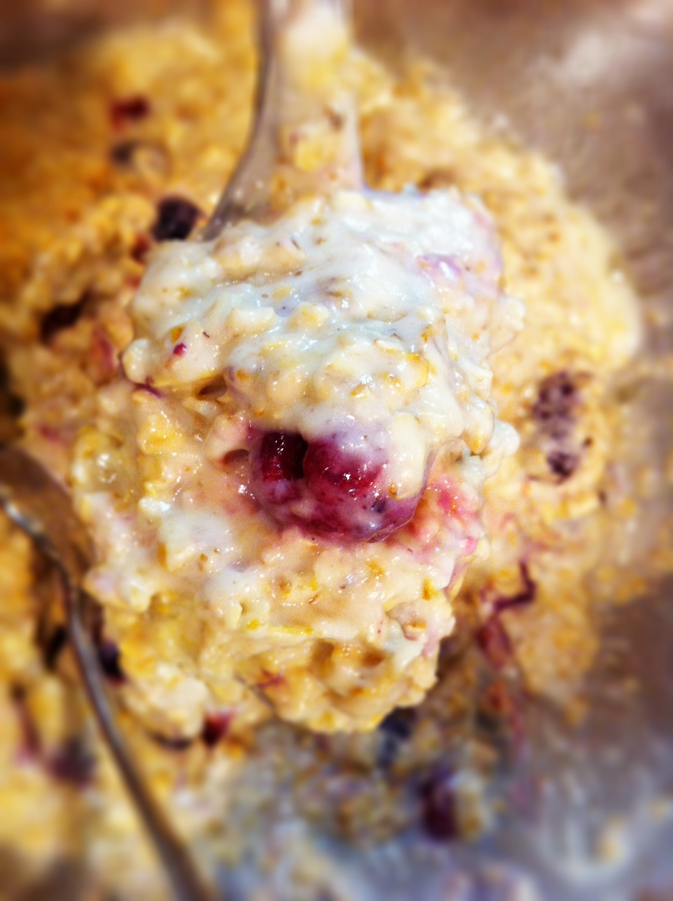 in the kitchen: simple oatmeal berry muffins