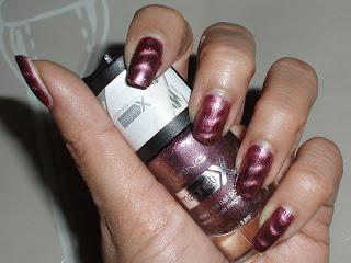 NOTD: Icing Magnetix Pink/ Burgundy