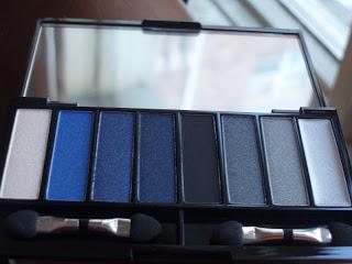 Quo Smokey Eyeshadow Palette