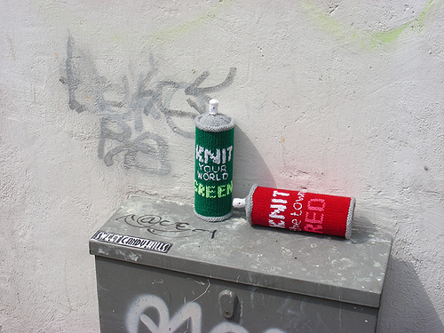 graffiti cans1