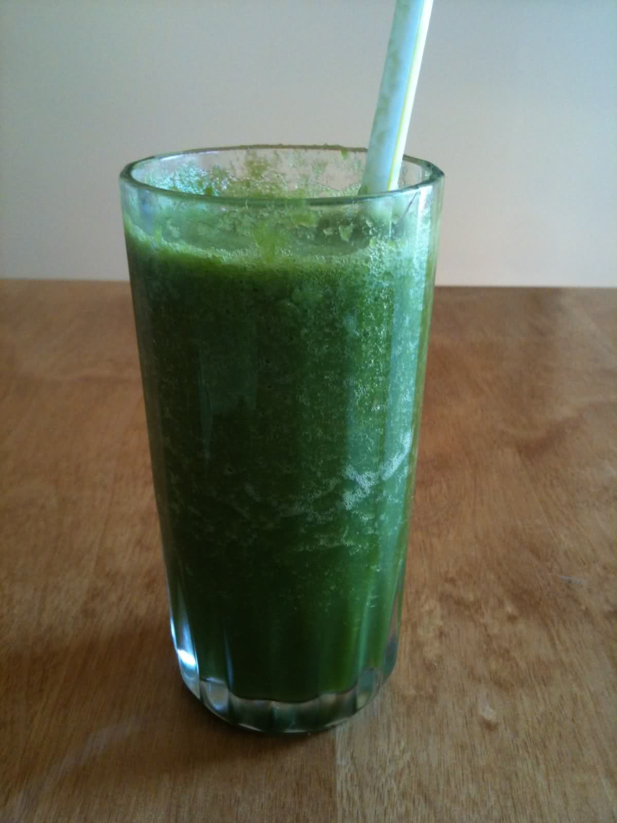 Beauty Detox: Glowing Green Smoothie