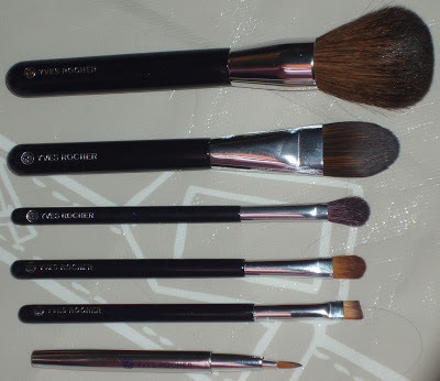 Yves Rocher makeup brushes