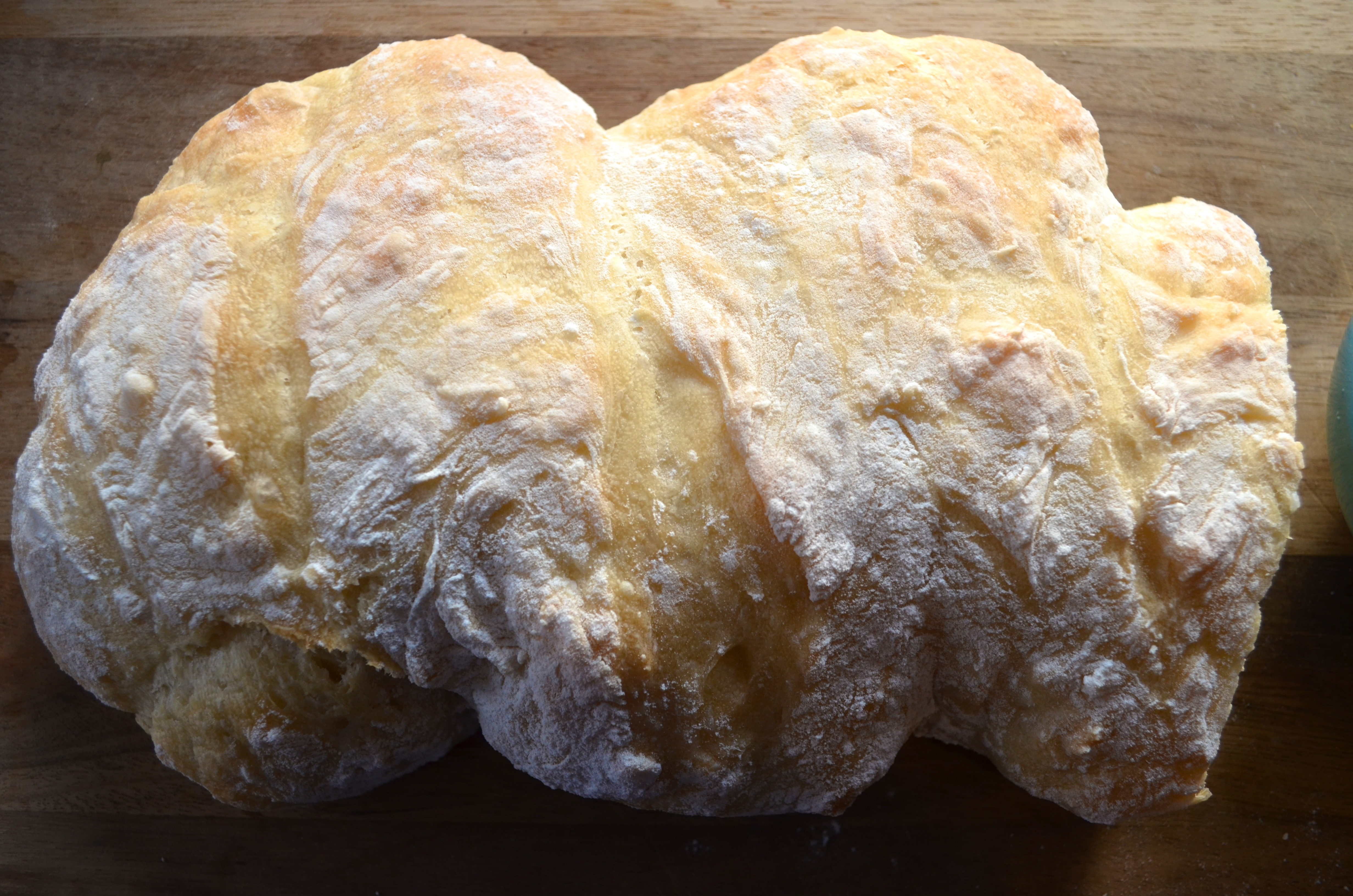 how to: make your own bread by hand in 5 minutes with no kneading required