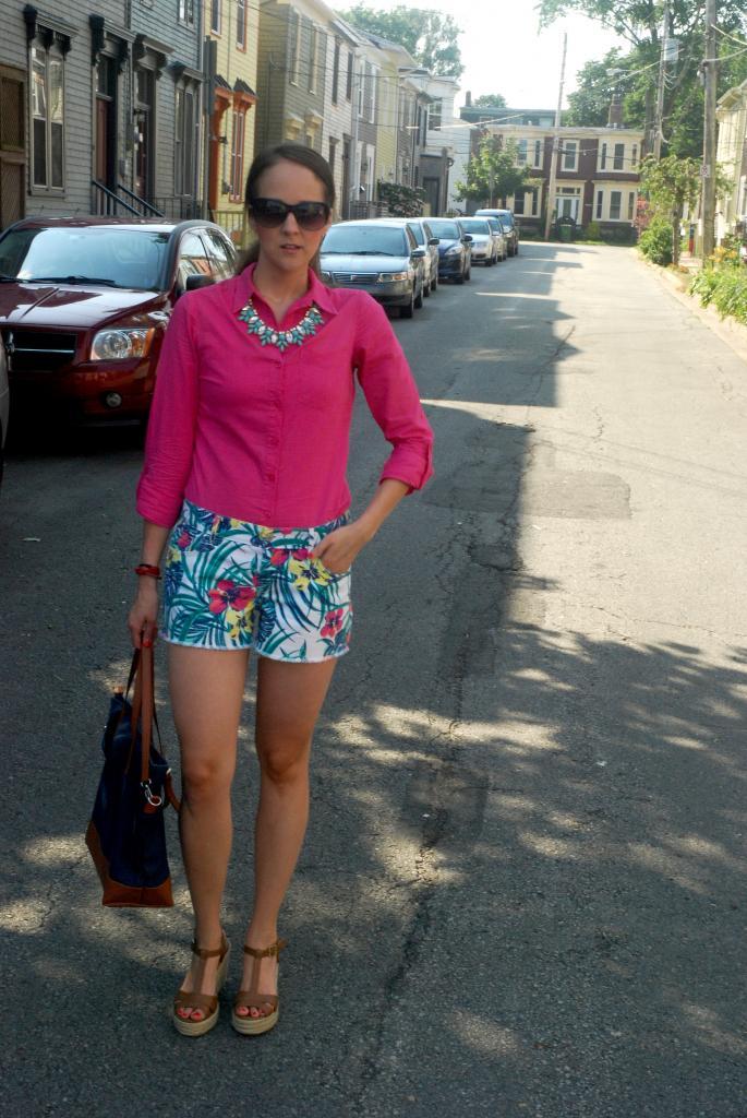 gap, old navy, nail polish, tote bags, shorts, pink, mango, tropical print