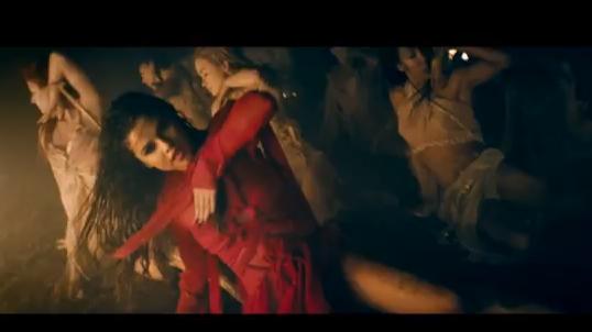 Selena-Gomez-Slave-4-U