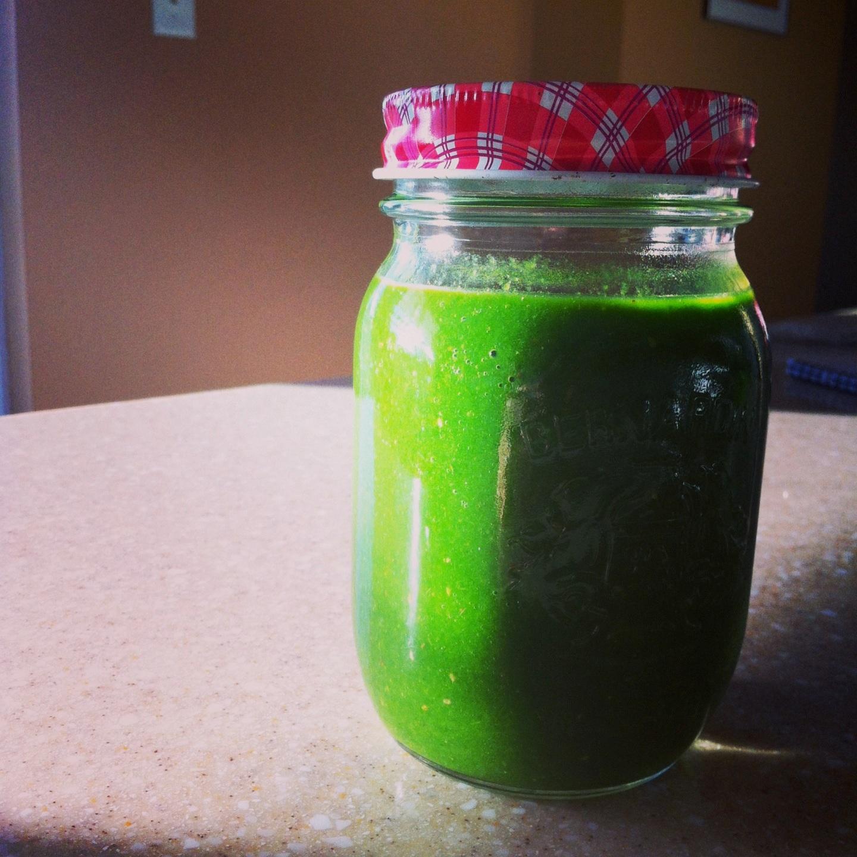 Spinach, Kale, Mango, Chia Seeds. Health, Wellness, Recipes, Quick, Easy, Kale, Mighty Kale, Jugo Juice