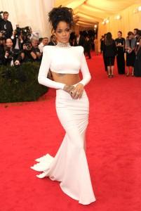 Rihanna-Met-Gala-2014