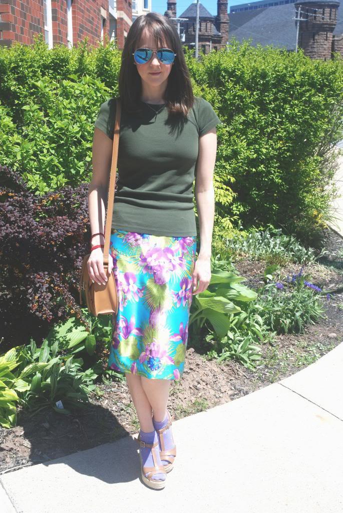 THII ONLINE, Silk skirt, Joe Fresh Sunglasses, Forever 21 purse, summer prints
