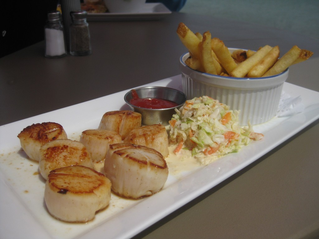 Pan seared scallops at Fundy Restaurant