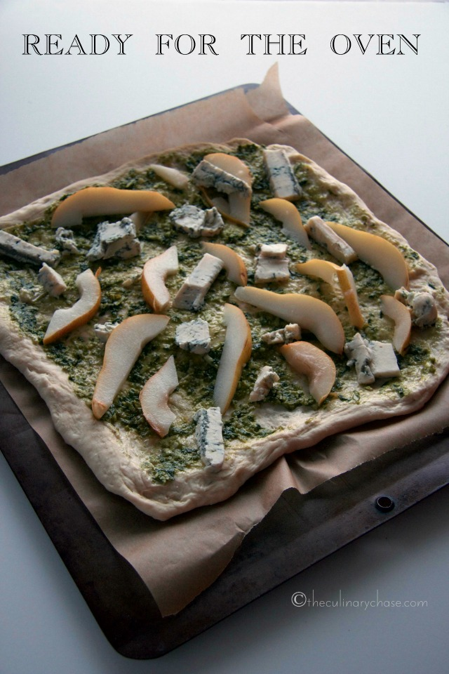 blue cheese & pear pizza ingredients