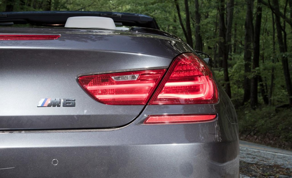 2012-BMW-M6-Convertible-Badge-And-tail-light-rear-view