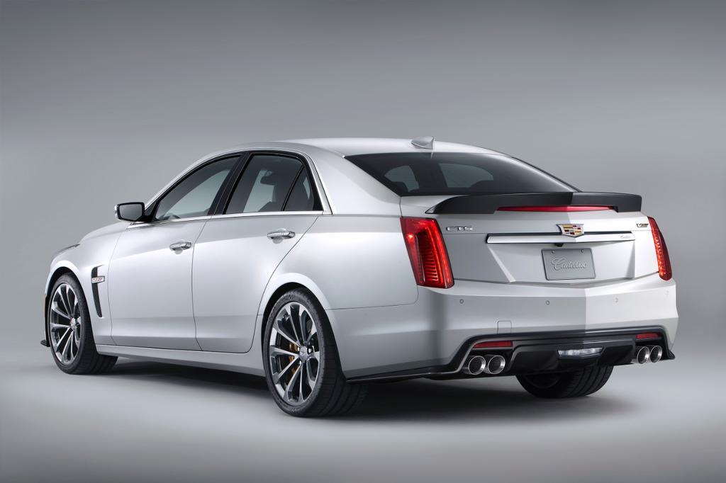 2016-Cadillac-CTS-V-5