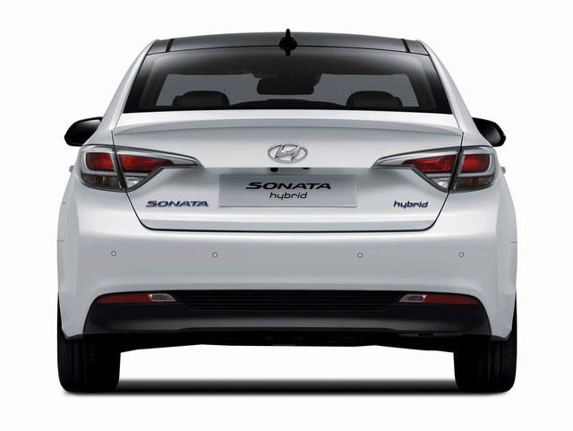 2016-hyundai-sonata-hybrid-03