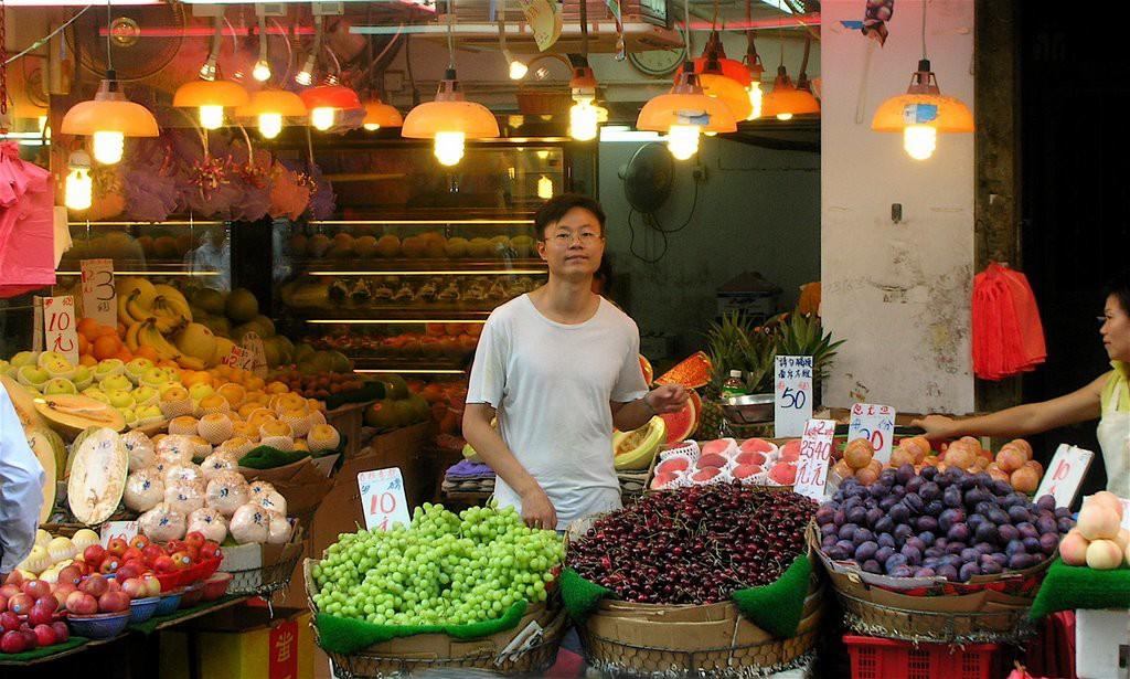 wet market fruit 2