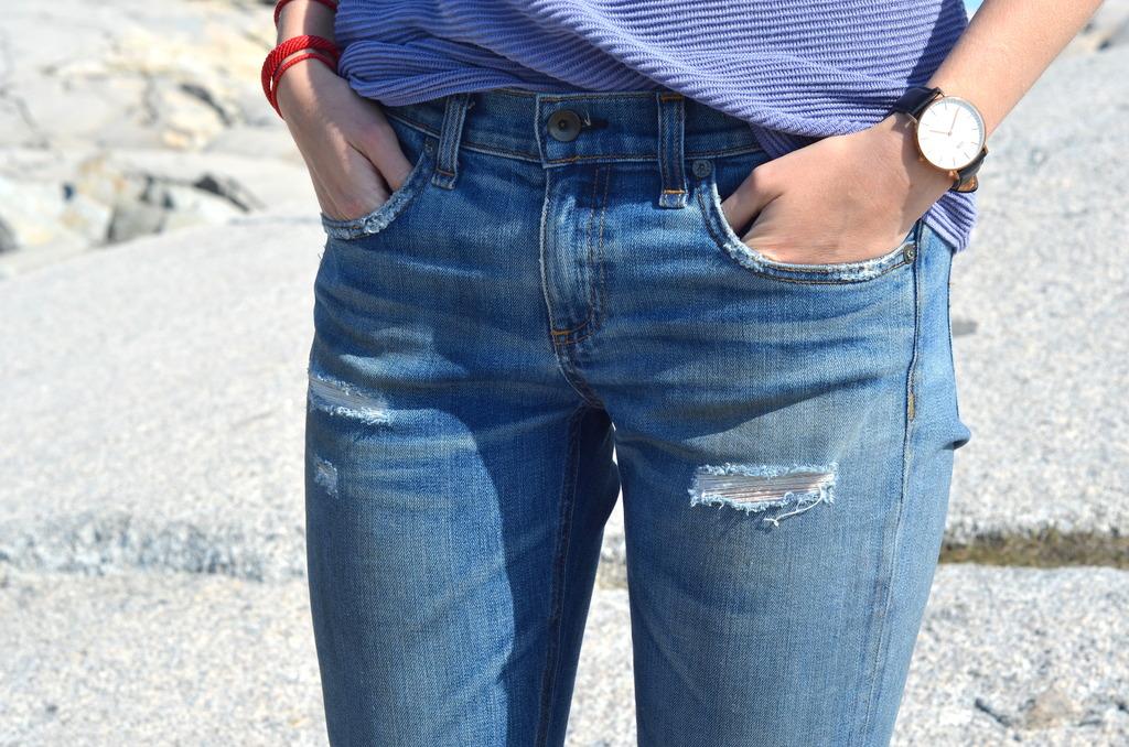 short presents, aritzia halifax, daniel wellington, jeans