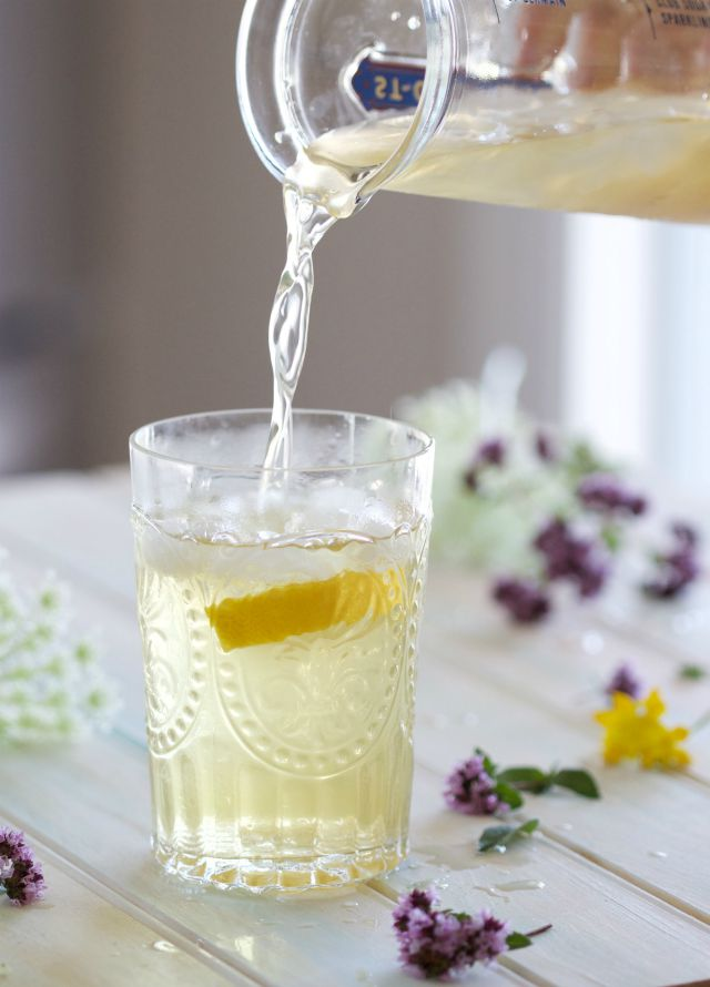 pouring iced green tea
