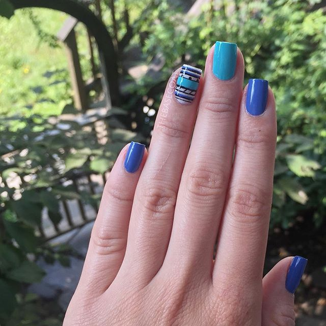 Another shot of the nails I wore to the Halifax nail bigger meet up. Colours used are OPI I Cannoli Wear OPI, China Glaze Rain Dance The Night Away, Essie Pret-a-surfer, and Essie Licorice.