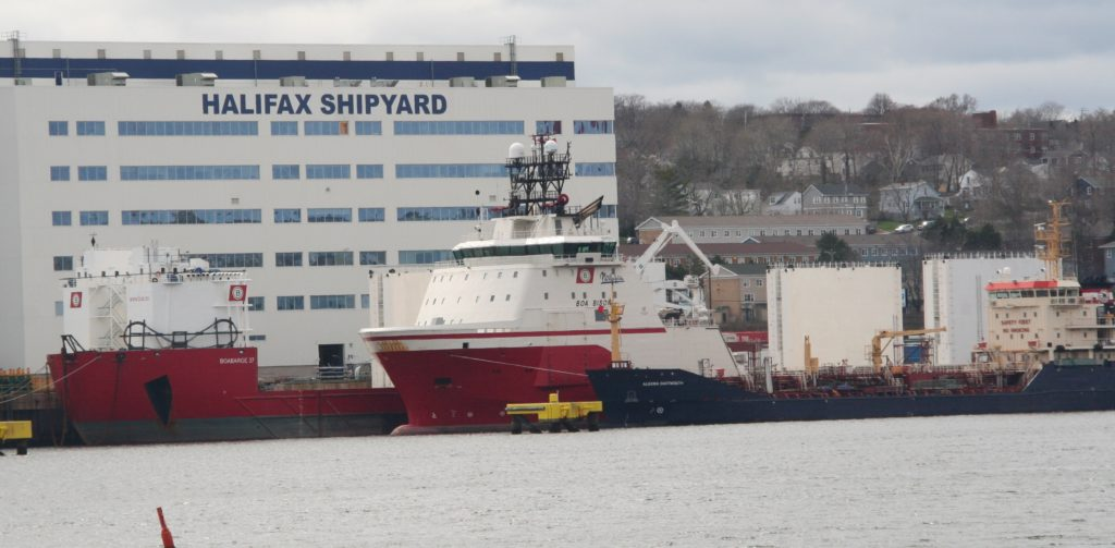 Boa Bison and Boa Barge 37 to the shipyard.
